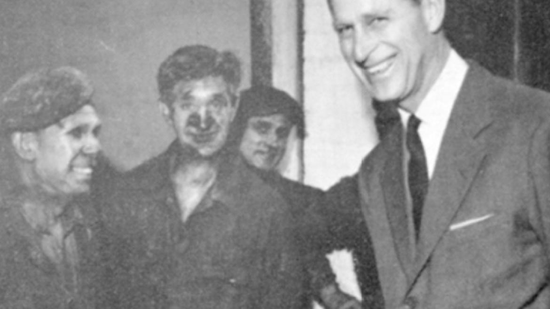 Duke-of-Edinburgh-talks-to-members-of-the-Mixing-1961.png