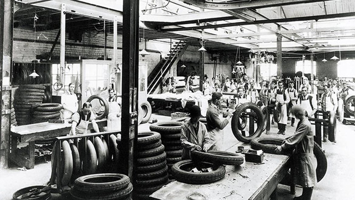 date 1926 - motor car tyre production trimming.jpg