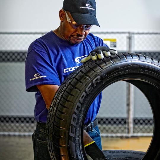 Suggerimenti per la sicurezza degli pneumatici