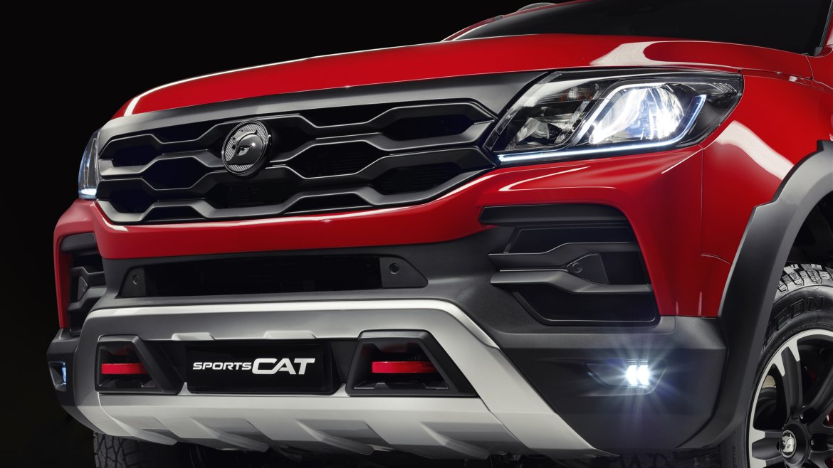 08_HSV_SPORTS CAT_AOR172_FRONT FACIA- Highres.jpg