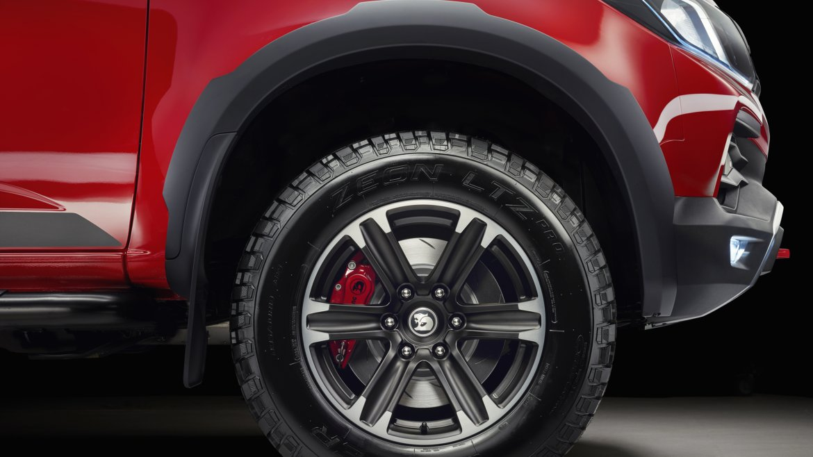 12_HSV_SPORTS CAT_AOR172_WHEEL DETAIL- Highres.jpg