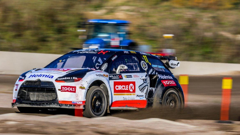 Oliver Solberg 2018 RallyX Nordic champion - 2.jpg