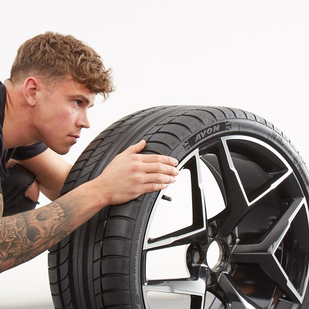 Cómo leer el flanco de un neumático
